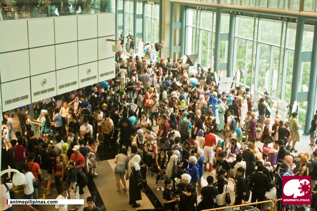The crowd outside the event halls of Anime Festival Asia 2014. (Photo by JM Melegrito)