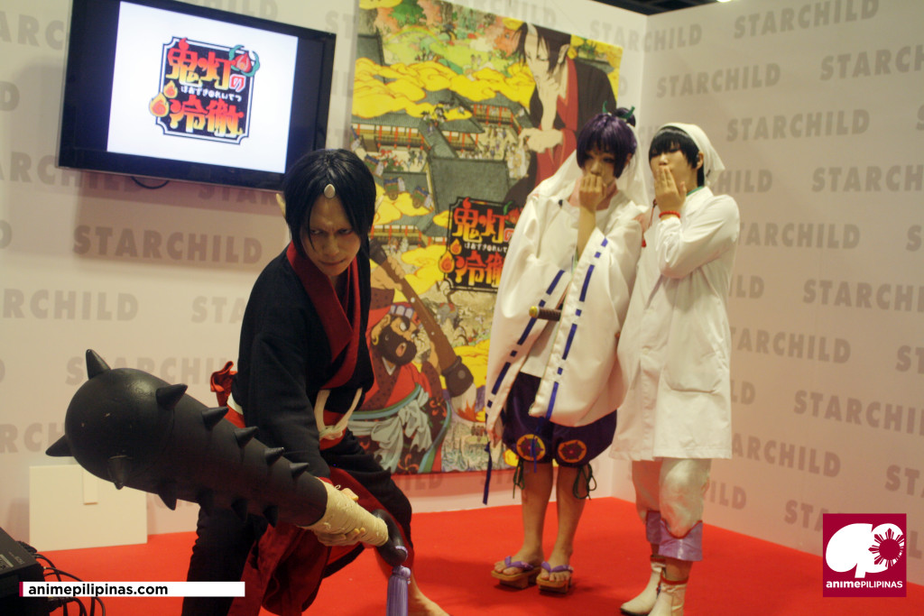 (From Left) Popular cosplayers KANAME☆, Yuegene Fay and Reika, portraying the lead characters for the anime series Hozuki's Cooleadedness. (Photo by JM Melegrito)