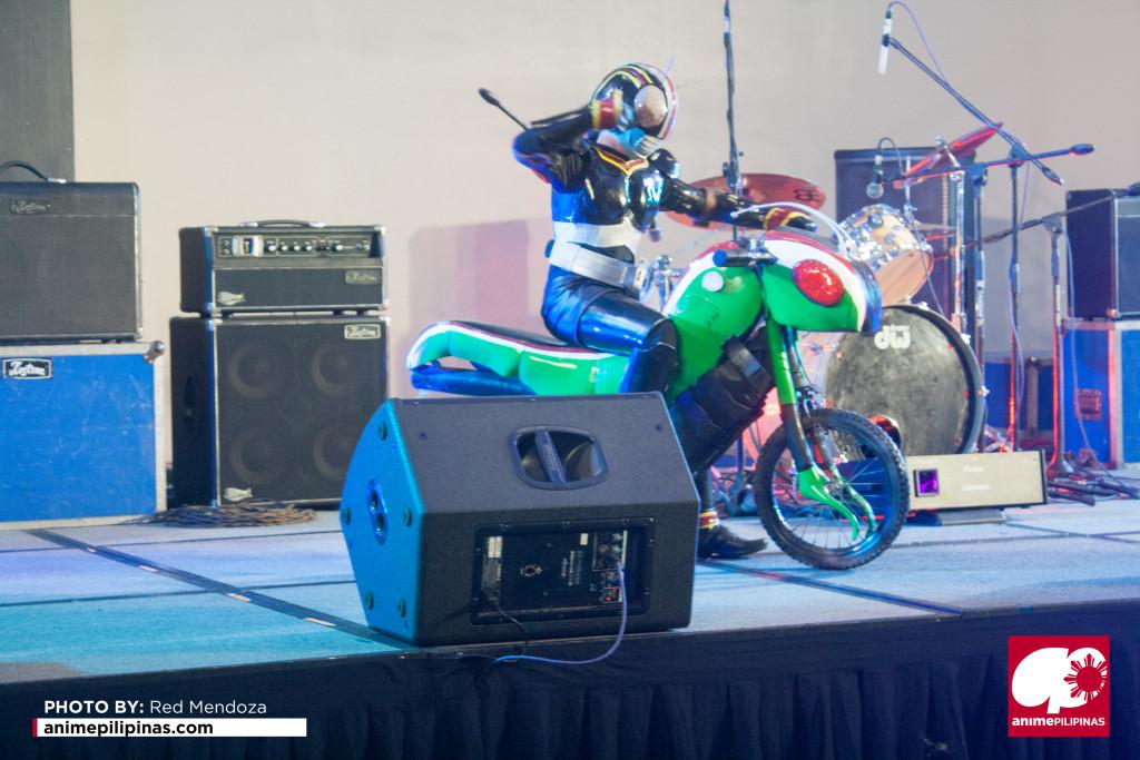 "Ashley Misaki Hernandez as ""Masked Rider Black"" (Photo by Red Mendoza / Anime Pilipinas)"
