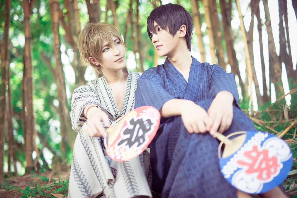 Chinese cosplayers Baozi & Hana as Makoto Tachibana and Haruka Nanase of the animer series Free! (Photo from WorldCosplay.net)