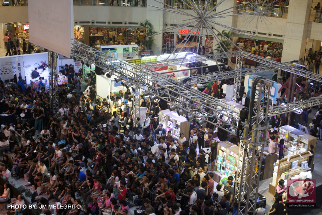 A jampacked TriNoma Activity Center last November 7 and 8 for Cool Japan Festival 2015. (Photo from JM Melegrito / Anime Pilipinas)