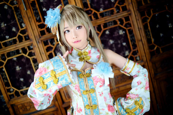 Tomia as Kotori Minami of Love Live! School idol project (Photo from WorldCosplay.net)