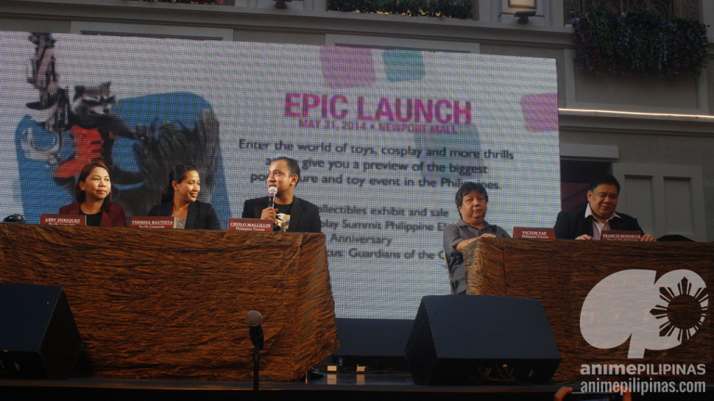 (From Left) Abby Enriquez & Theresa Bautista of Pacific Licensing, Cholo Mallillin and Victor Yap pf Collectibles Unlimited, and Francis Bonnevie of Resorts World Manila. (Photo from JM Melegrito / Anime Pilipinas)